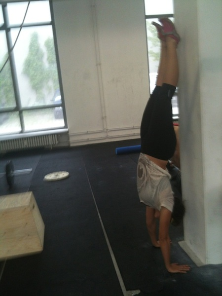 Caro-handstand-450
