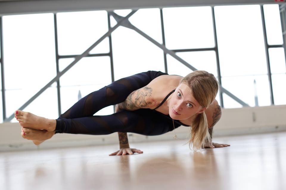 Jelena Lieberberg - Kick Ass Yoga